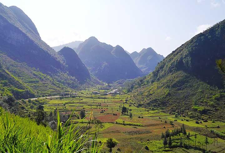 Hà Giang: in moto attraverso una terra stupefacente