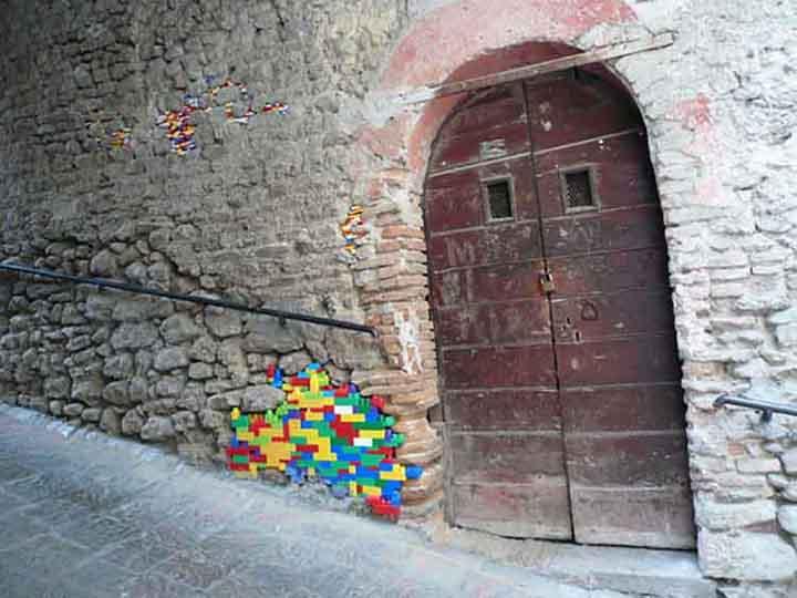 Riparare case con i lego