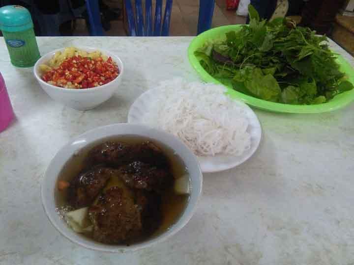 bun cha - Hanoi