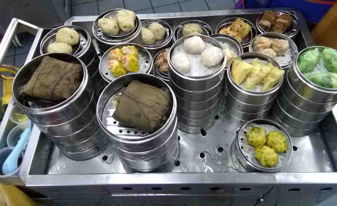 Le 6 più buone PASTE RIPIENE di strada mangiate nel sud-est asiatico