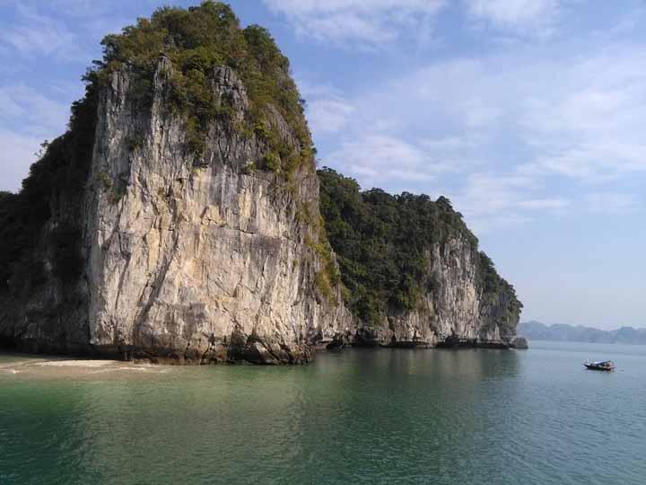 Spiaggia a Lan Ha bay